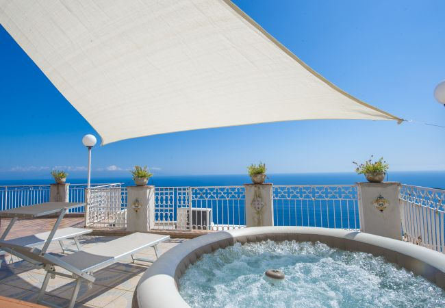 in Praiano - Casa Piccola Tuoro - Large panoramic terrace with Jacuzzi